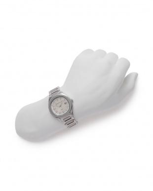 シルバー/ホワイト 腕時計を見る