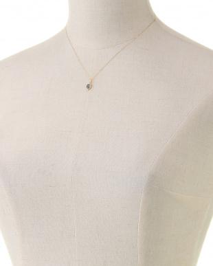 サファイア ネックレスを見る