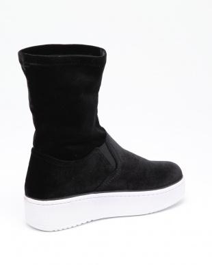 001 sneaker velvet bootsを見る