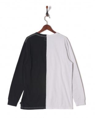 WHT/BLK 長袖Tシャツを見る