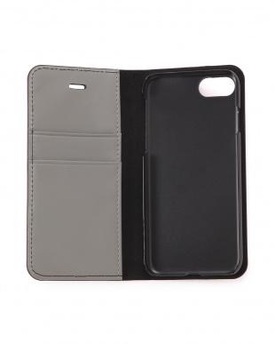 black iphoneケースを見る