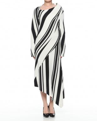 c/#1 black & white  ドレスを見る