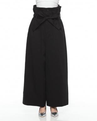 c/#1 black  パンツを見る