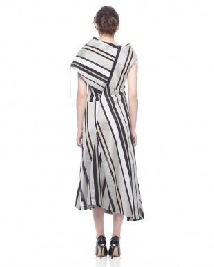 c/#2 black & white ドレスを見る