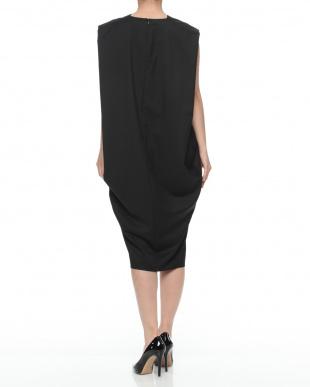 c/#3 black  ドレスを見る