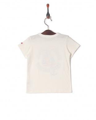白 Tシャツを見る