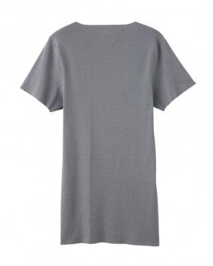 グレーモク VネックTシャツを見る