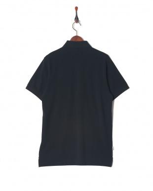 ブラック ポロシャツを見る