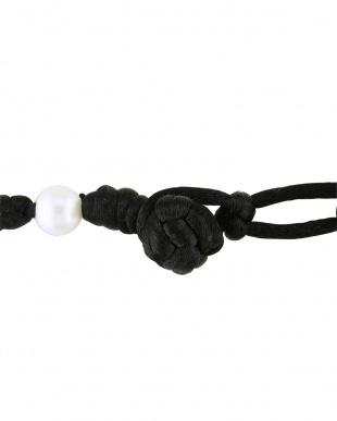 ブラックストリング パール(7.5ミリ)ネックレスを見る
