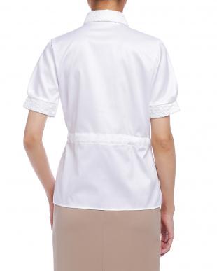 ホワイト  ツイル ウエストリボン レース使い 半袖シャツを見る