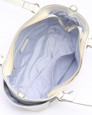 WHITE ショルダー付き手提げバッグを見る