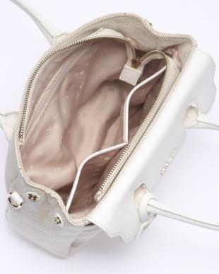 WHITE 手提げバッグを見る