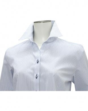 ブルー系 七分袖 形態安定 レディースシャツ スキッパー衿 白×ブルーストライプを見る