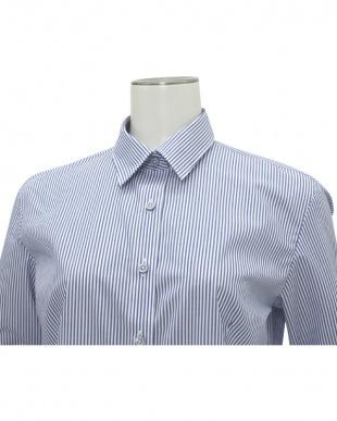 ブルー系 七分袖 形態安定 レディースシャツ レギュラー衿 白×ブルーストライプを見る
