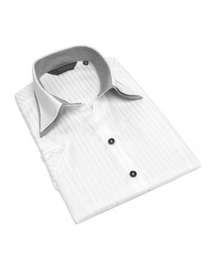 ホワイト系 レディース ウィメンズシャツ 半袖 形態安定 スキッパー ダブル衿 綿100% 白×ストライプ織柄を見る
