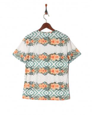 オレンジフラワー シャツを見る