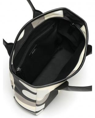 ブラック  プリント トートバッグを見る