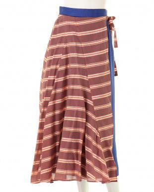 ブラック ストライプラップスカート UN3D.を見る