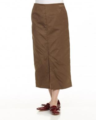 KHAKI ミドル丈タイトスカートを見る