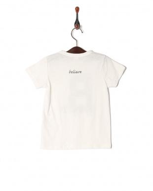B Tシャツを見る