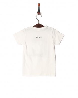 C Tシャツを見る