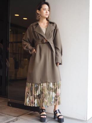 ベージュ スカーフプリーツコート MURUAを見る