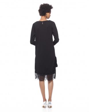 98/無彩色I(ブラック) 3wayスカート付きスリットワンピースを見る