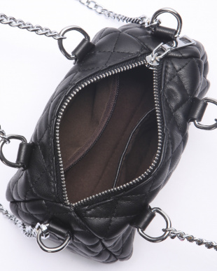 Black 合皮キルティングバッグを見る