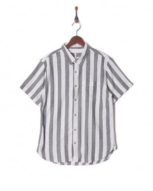 シロ*グレー パナマストライプシャツを見る