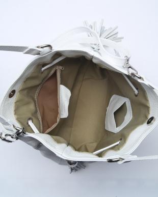 ホワイト バッグを見る