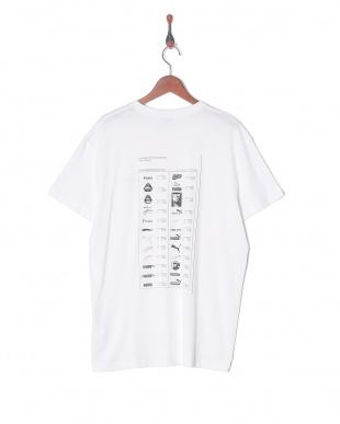 PUMA WHITE GRAPHIC MULTIPLE LOGO SS Tシャツを見る