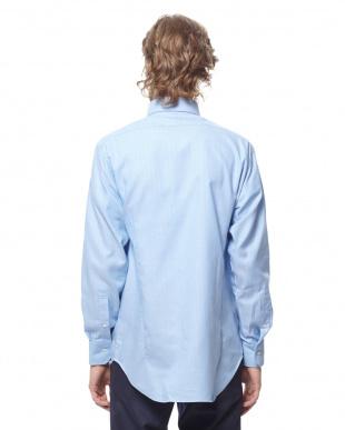 スカイブルー ヘリンボーン スナップダウン 長袖シャツを見る