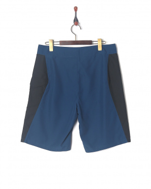 BLACKOUT NAVY/BLACK/ABSINTHE GREEN UA MANIA TIDAL BOARDSHORTを見る