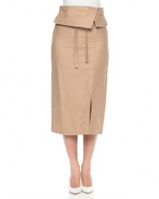 ベージュ ラップベルト風スカートを見る