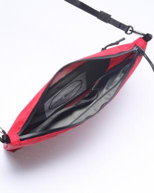 RED ショルダーバッグを見る