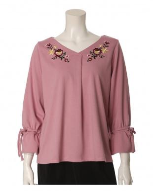 ピンク1 《大きいサイズ》袖リボン刺繍カットソー ef-de L Sizeを見る