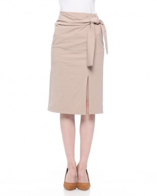 ブラック ウエストマークタイトスカートを見る