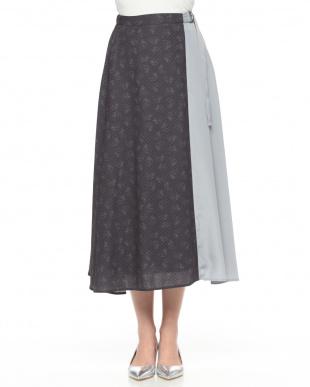 ブラックチャコール スカートを見る