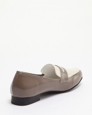 グレージュ 靴(婦人)を見る