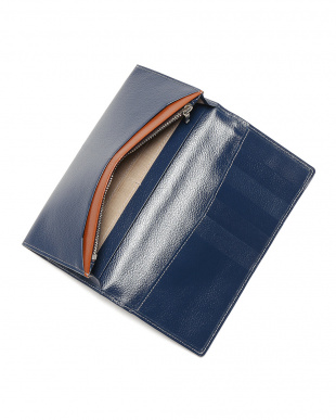 ネイビー エンボスレザー 長財布を見る