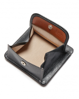ブラック エンボスレザー 財布を見る