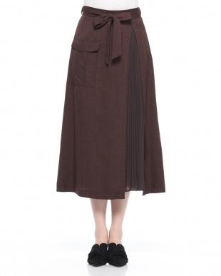ダークブラウン スカートを見る