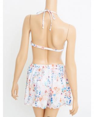 ピンク 花柄フレアワイヤービキニ/ショートパンツ付き3点セット水着を見る
