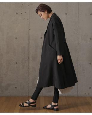 ブラック スプリングコートを見る