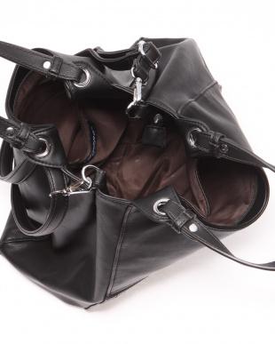 BLACK 2WAYメタリック×ストライプアクセントショルダートートバッグを見る