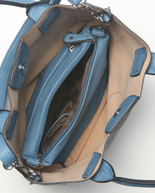 BLUE 【F】パンチングカジュアルハンドバッグ(Bag in Bag付)を見る