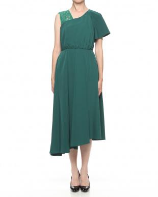 グリーン アシンメトリーフレアスリーブドレスを見る