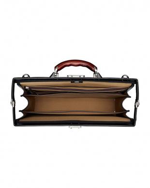 ブラック 日本製 ビジネスバッグ ダレスバッグ A4サイズ収納可 EW21573を見る