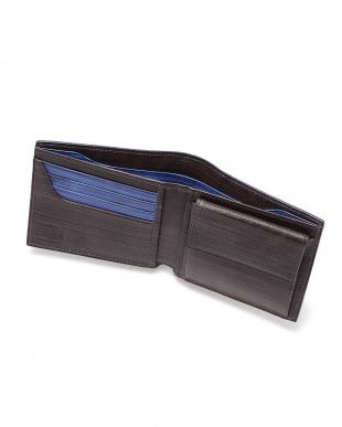 Black x Blue 二つ折り財布を見る