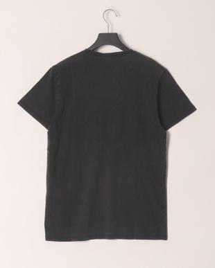 BLACK  Tシャツを見る